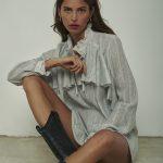 Jedwabna koszula z falbaną ze srebrną nitką Marianne - Rose on Fire - Sandra Kuźniak - Polska Marka Autorska